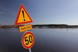 Peltoa Hirvijoki Jalasjärvi