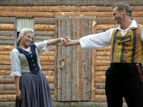 Tukkijoella Kirsi ja Janne Raudaskoski
