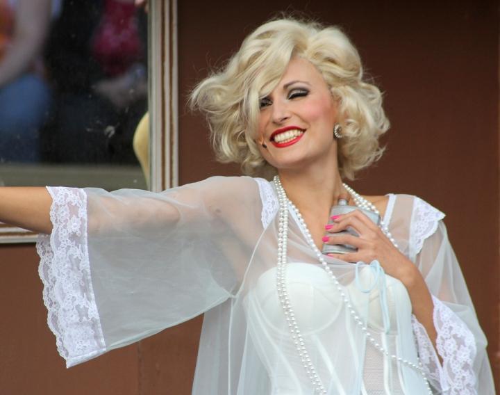 Maria Lund blondina