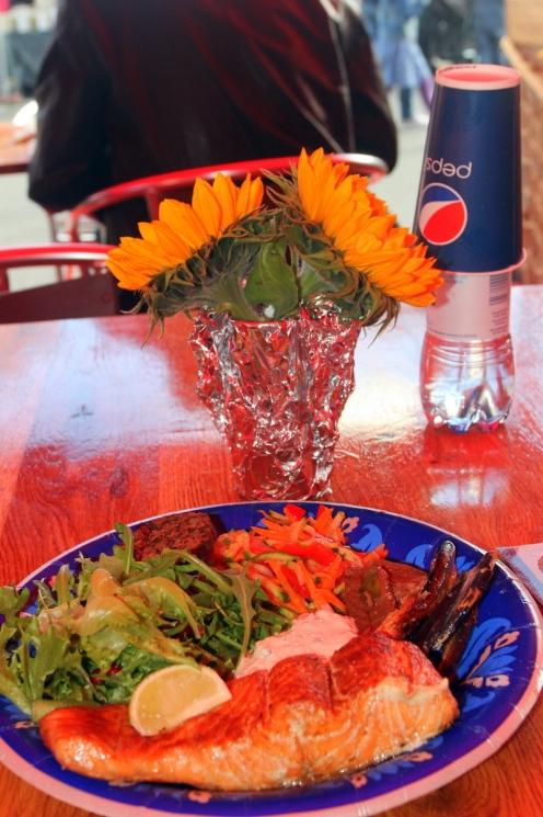 Ja tässä herkullinen kala-annos muikulla ja balsamico-hauella terästettynä.