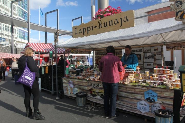 Lappi-Hunaja osaa myös viennin. Neljä viidesosaa tuotannosta menee mm. Keski-Eurooppaan.